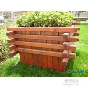 柳桉木做成的花箱图片